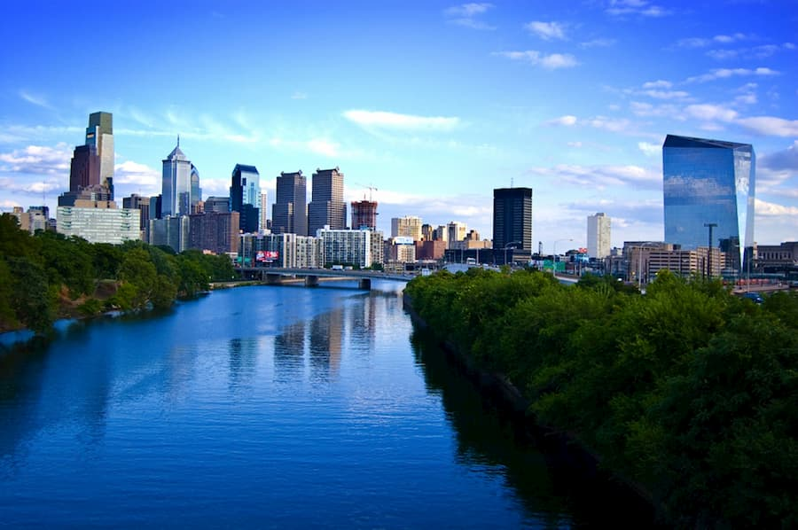 Pros and cons of moving to Philadelphia