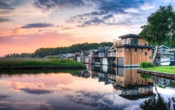 Things to look for when buying a lake house in Grimsby