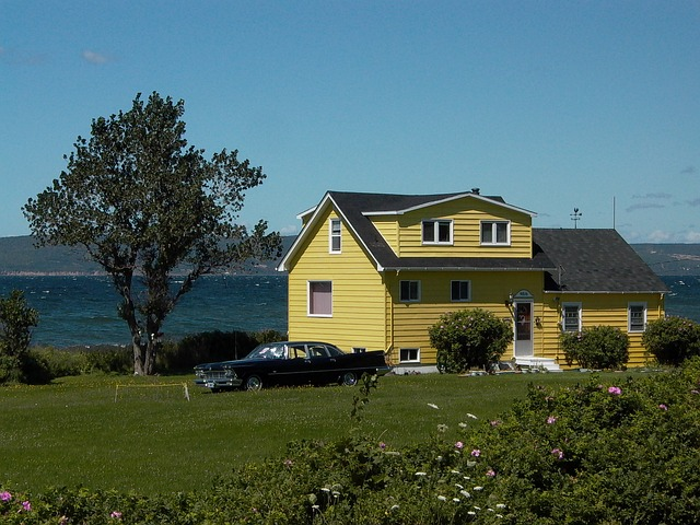 New Yorkers in the Great White North: how to buy a house as a non-resident in Canada