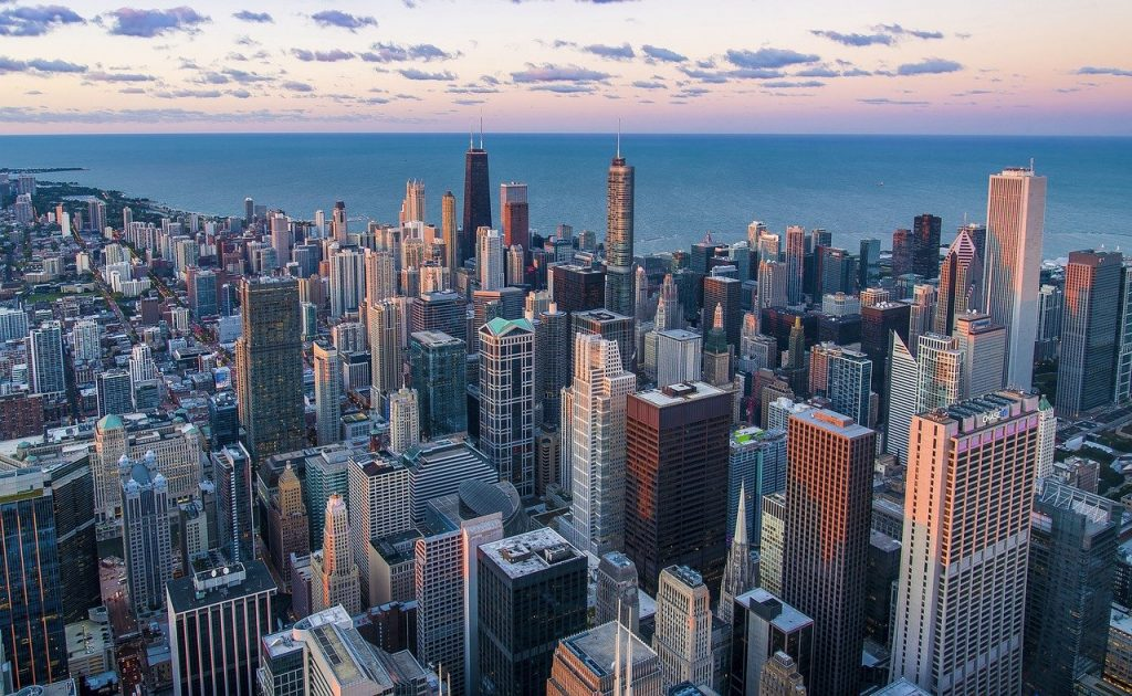 Chicago city view. One of the facts to know when settling down in Chicago is that this city has beautiful neighborhoods!