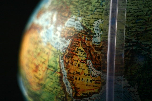 Guide to shipping to and from Saudi Arabia