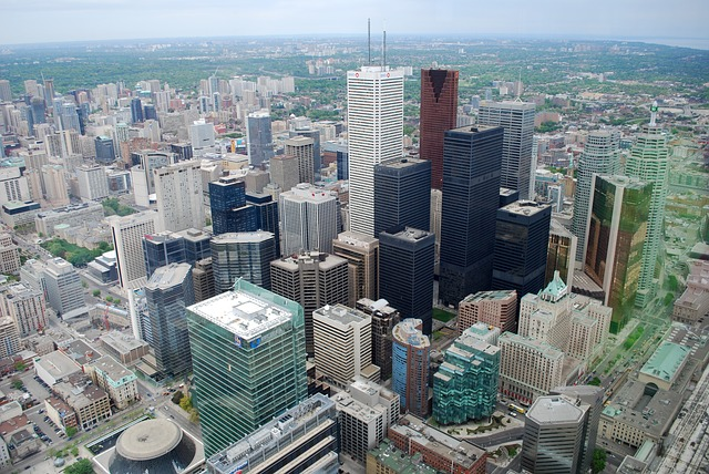 Buying a luxury apartment in Toronto – budget planning tips